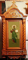 Church kiots: Diveevo carved icon case (kiot)