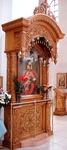Church kiots: State carved icon case (kiot)