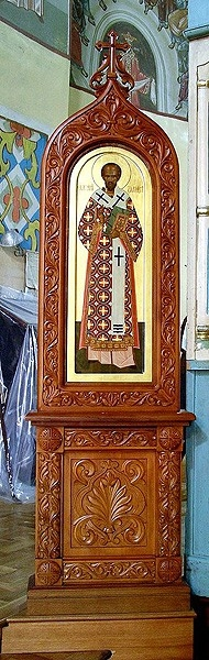 Church kiots: Hierarch carved icon case (kiot)