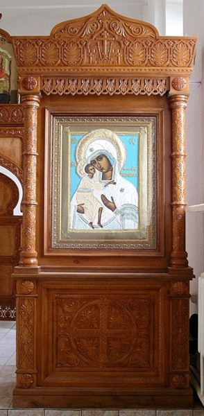 Church kiots: Khalkidon carved icon case (kiot)