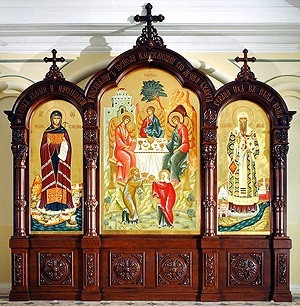 Church kiots: Large Triple carved icon case (kiot)