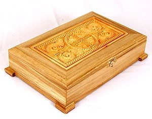 Wooden carved reliquary no.2