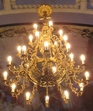 Three-level church chandelier - 3 (84 candles)