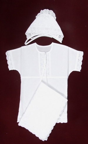 Embroidered baptismal clothes for newborns