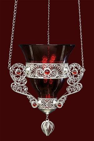 Vigil lamps: Filigree oil lamp no.20