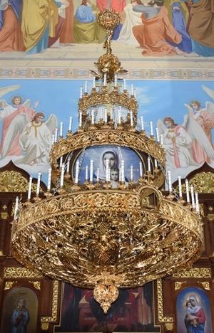 Church horos (chandelier) no.R1 (76 candles)
